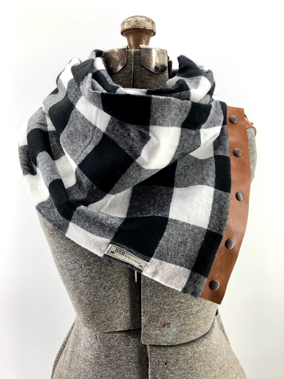 White & Black Buffalo Check Multi Snap Scarf with Leather Snaps