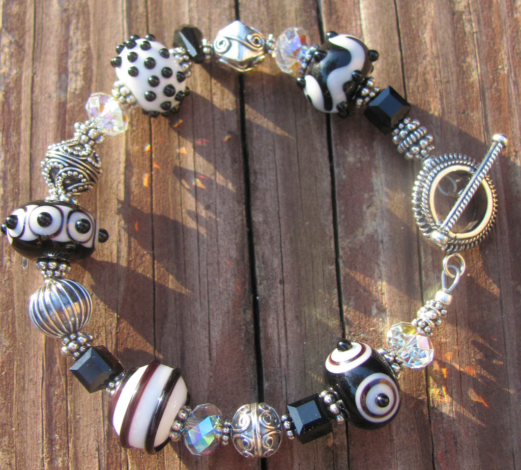Black & White lampglass bracelet