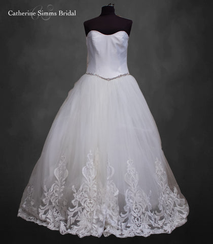 ASHLEY & JUSTIN Tulle Ballgown