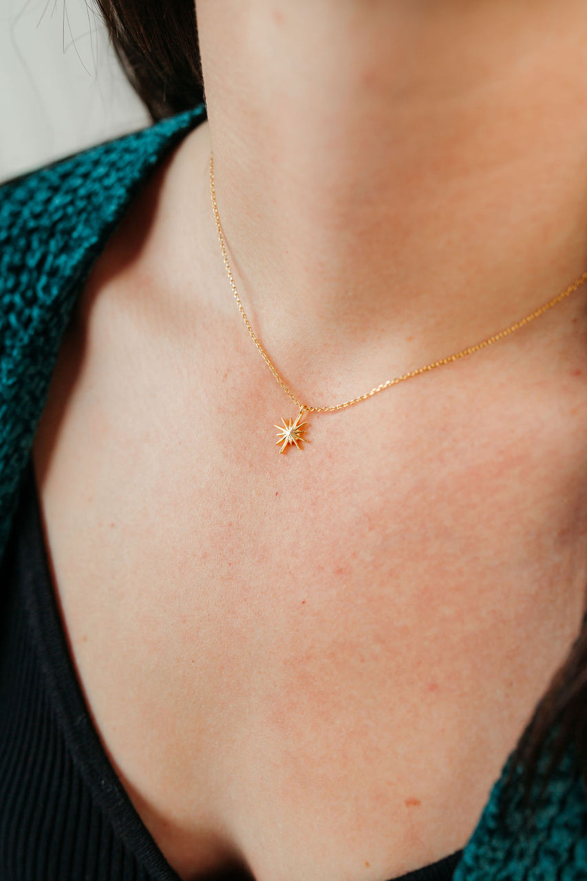 North Star Dainty Pendant Necklace