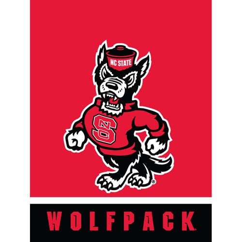 NC State Wolfpack Full Body Strutting Wolf House Flag