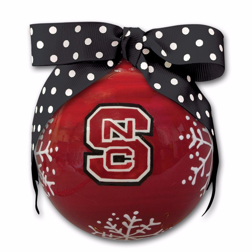 Celebrate the holiday season and show off your school spirit with this festive, collegiate ornament! Covered in delicate snowflakes and boasting plenty of Wolfpack flair, this sporty piece is perfect for any North Carolina State University devotee. 4-in. Ceramic
