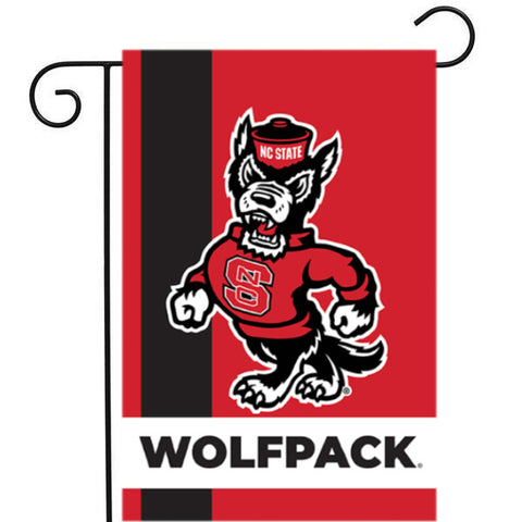 NC State Wolfpack Strutting Wolf Garden Flag