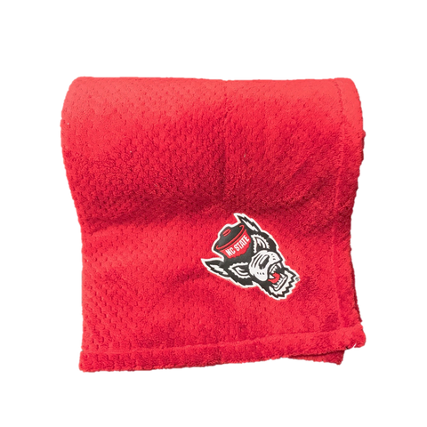 NC State Wolfpack Red Wolfhead Pineapple Blanket