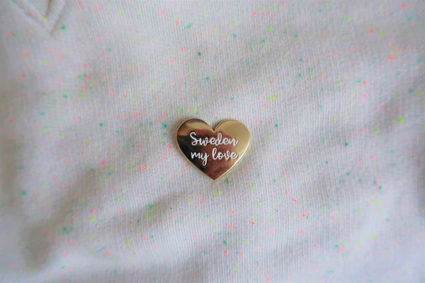POLLY ROCKET enamel pin SWEDEN MY LOVE