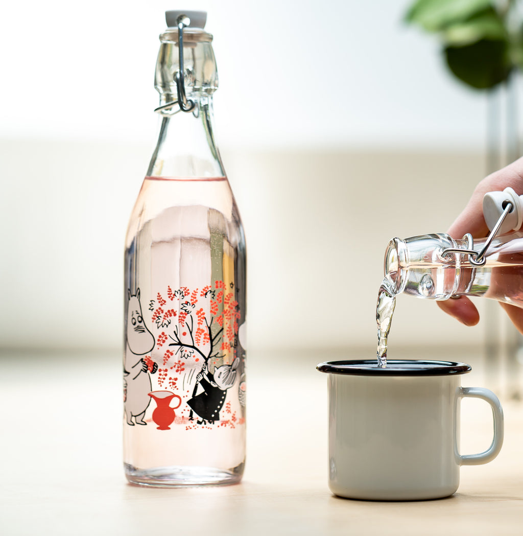 MOOMIN Muurla  glass bottle with metal clasp 0.5l BERRIES