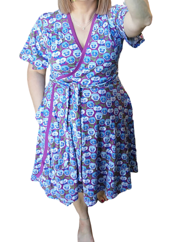 DUNS SWEDEN organic cotton flutter sleeve wrap dress with pockets PANSY/VIOLET