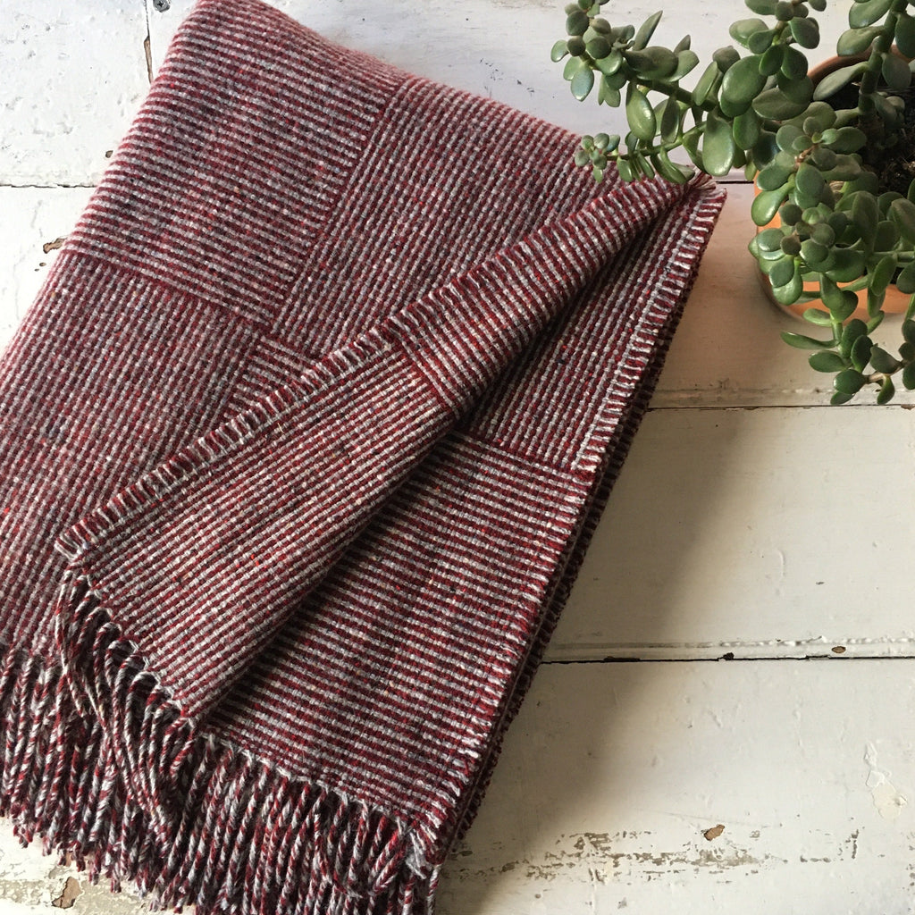 Molloy & Sons | Basket Weave Blanket - Berry