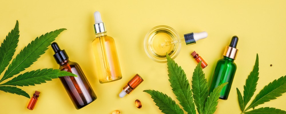 CBD Oil vs CBD Tincture and How to Tell the Difference