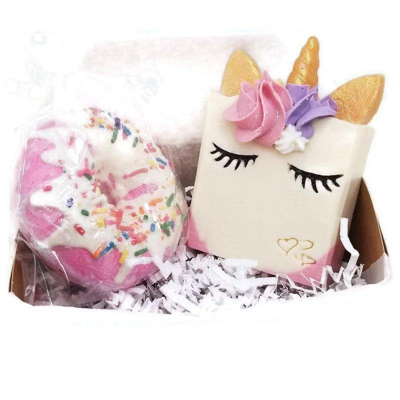 Smiling Unicorn soap and bath bomb gift set - Trinity Soaps