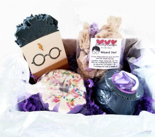 Harry Potter gift box, handmade Gryffindor soap - Trinity Soaps