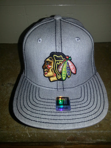 41  CHICAGO BLACKHAWKS GREY FITTED REEBOK