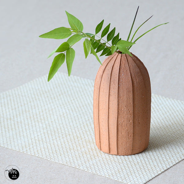 Kushime Vase by Hechimon