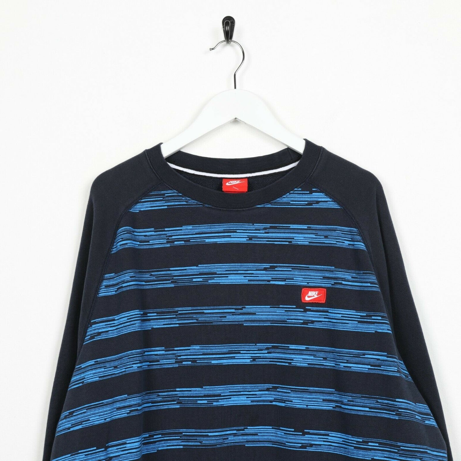 Vintage NIKE Small Logo Striped Sweatshirt Jumper Navy Blue 2XL
