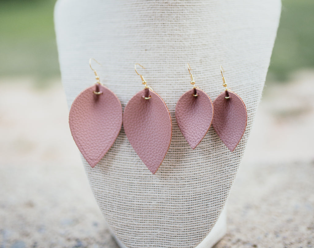 Leaf No Animal Behind Earrings (pink/mauve)