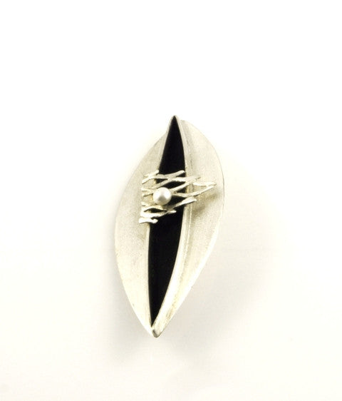 Dark Sea brooch by Tasmanian art jeweller
