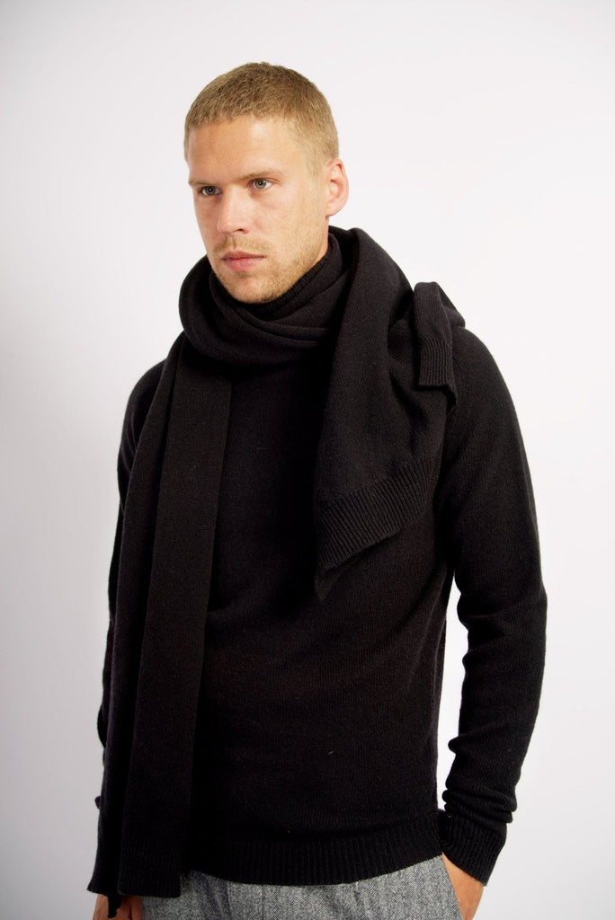 ULRIK | Knitted Scarf | Black | €130 -HANSEN Garments- HANSEN Garments
