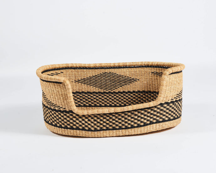 Baba Medium Dog Basket in Natural with Black Diamond - Hadeda Limited