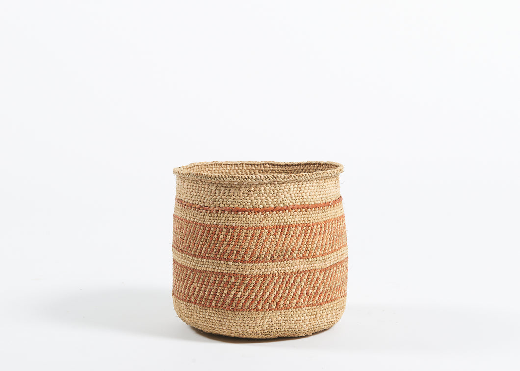 Small Iringa basket in rust and natural