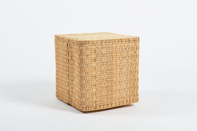 Natural raffia cube stool
