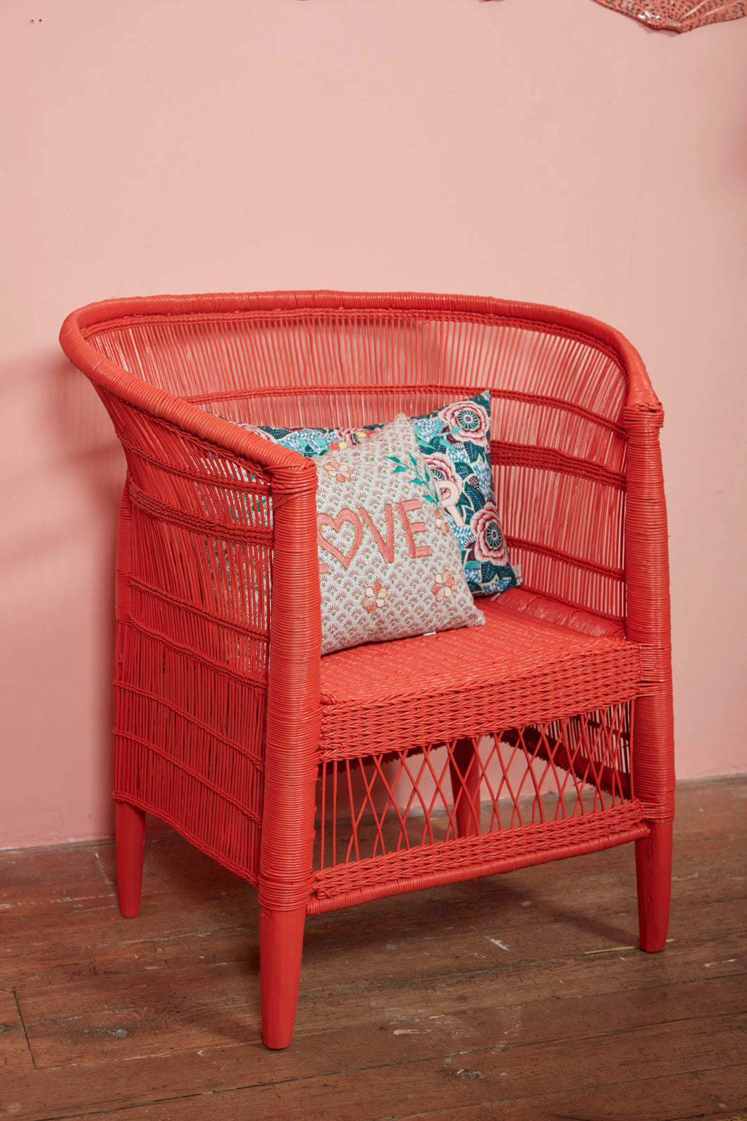 Traditional Single Seater in Coral