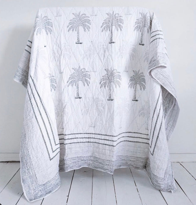 Lala Palm Quilt in King