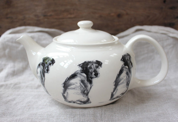 Teapot - Terrier looking back