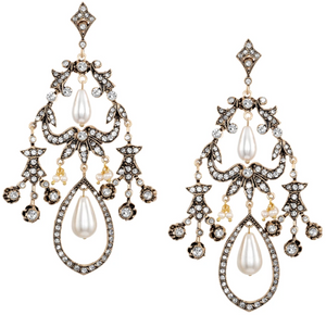 Vintage Reign Earrings with Pearl