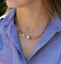Load image into Gallery viewer, Classic Etched Necklace