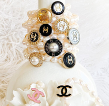 Load image into Gallery viewer, Chanel Button Pearl Bracelet