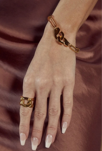 Mika Oversize Chain Ring