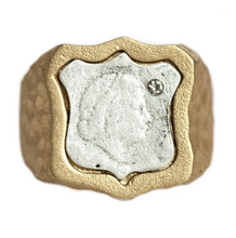 Load image into Gallery viewer, Gold Juliana Signet Ring
