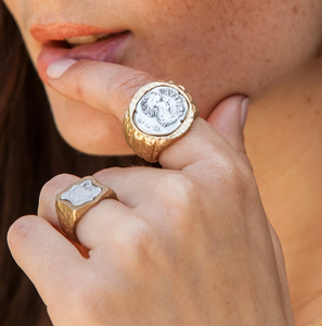 Gold Juliana Signet Ring