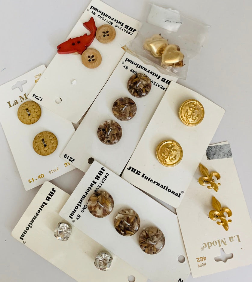 Assorted of Buttons in different sizes