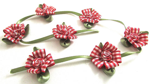 "Flower Red and White Ribbon Daisies 13"" Remnant"
