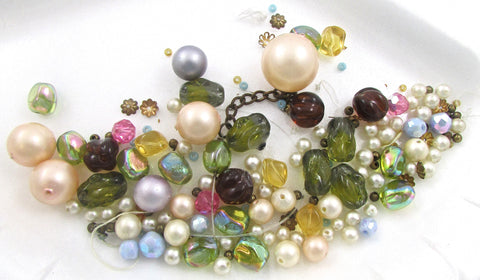Beads Assorted Loose with Different Sizes and Colors