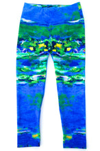 Load image into Gallery viewer, Monet Lucky Lilies Capri