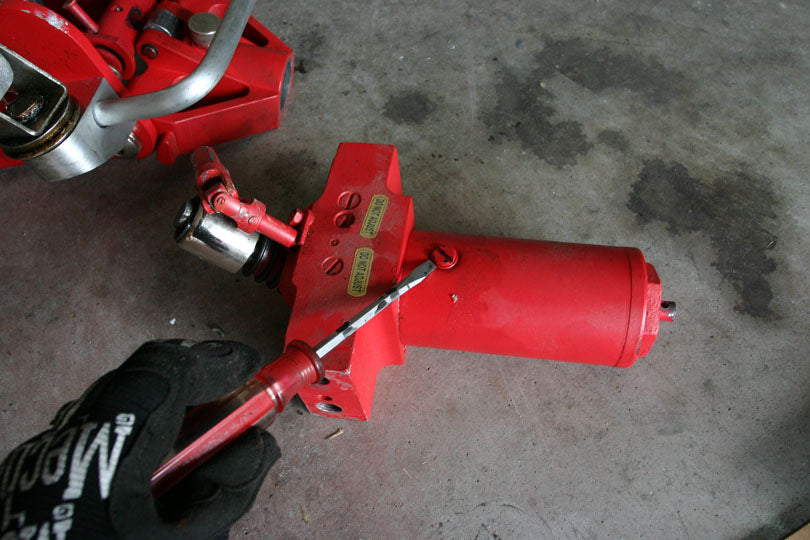 Red Eye Garage Tip 5 Repairing A Floor Jack Red Eye