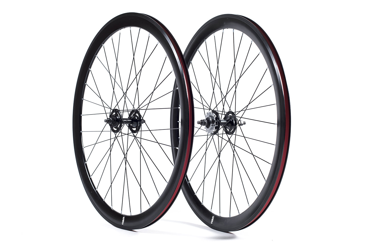 700c Fixie Fixed Single Speed  Rear Wheel Flip Flop 16T Black Rim and Red Tyre