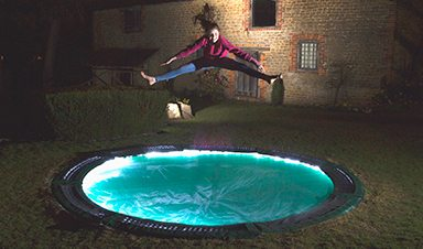 Lit-up-trampoline