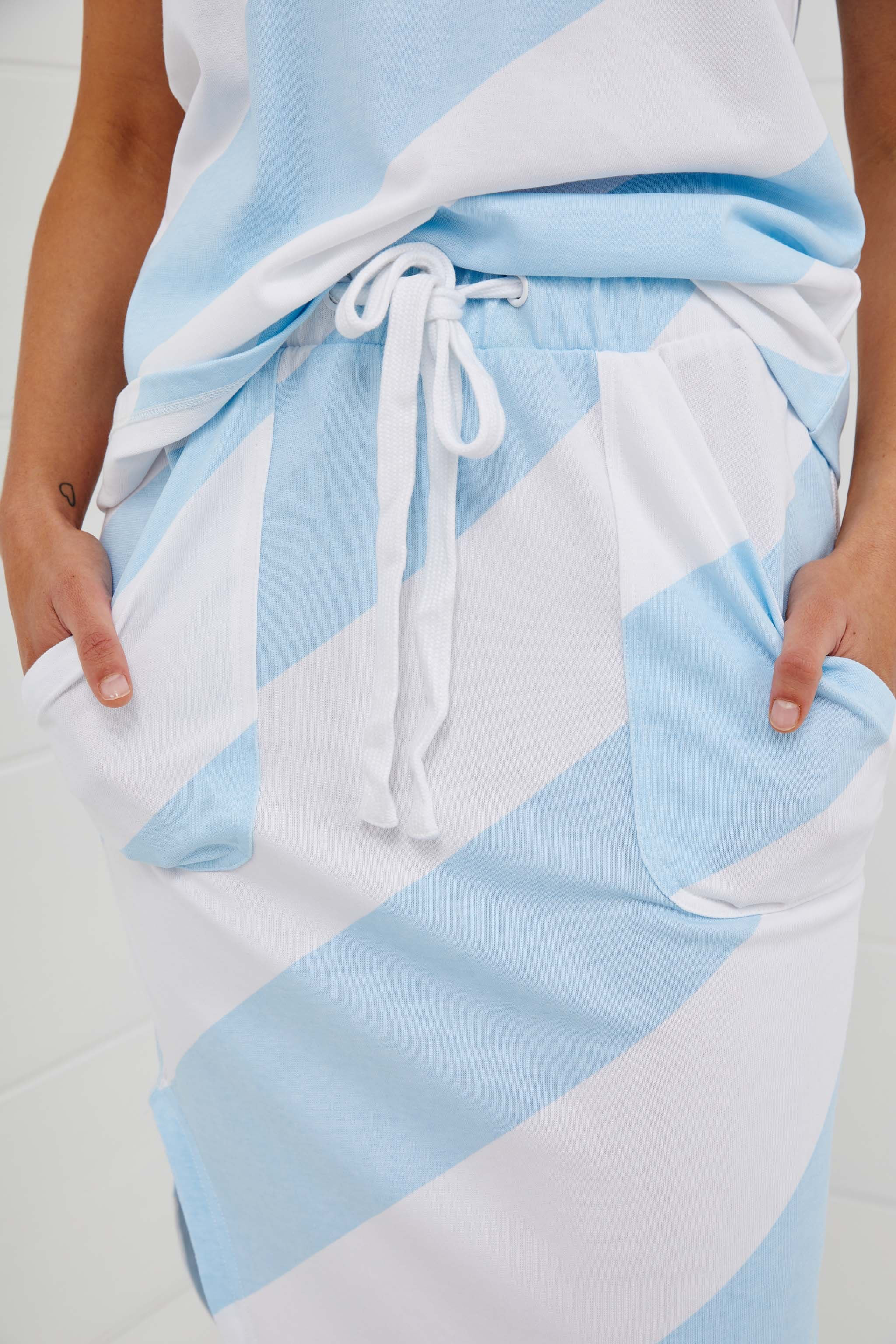 LITTLE NIPPERS BEACH SKIRT