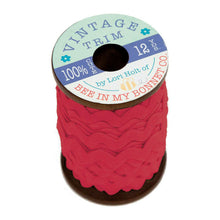Load image into Gallery viewer, Lori Holt Vintage Trim Large Spool (12 yards)