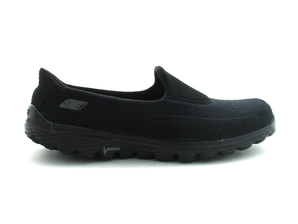 Skechers GOWalk 2 13590 in Black & Black Sole outer view