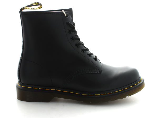 Dr. Martens 1460z in Black Leather outer view