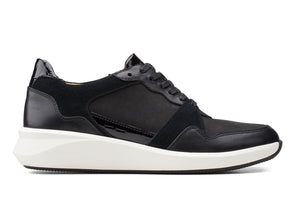 Clarks Un Rio Run black combi outer view