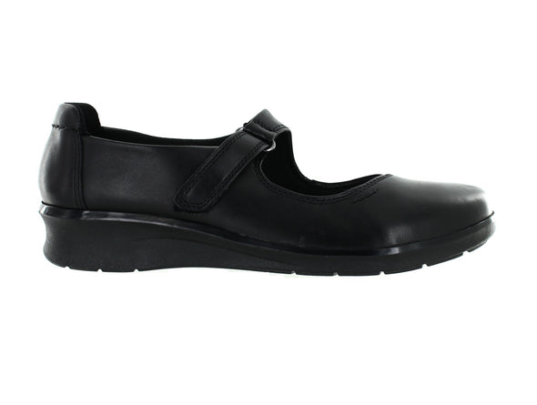 Clarks Hope Henley in Black Leather outer view
