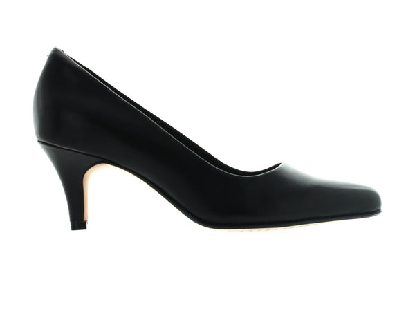 Clarks Isidora Faye in Black Leather outer view