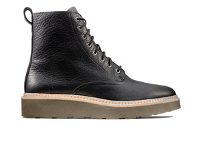 Clarks Trace Pine in Black outer view