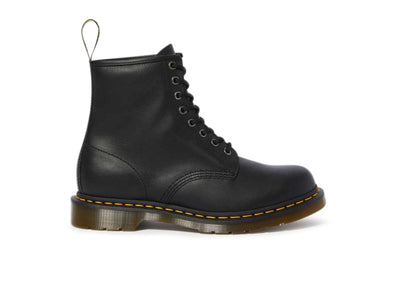 Dr Martens 1460 11822002 in Black outer view