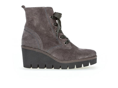 Gabor 54.782.19 in Grey Suede outer view